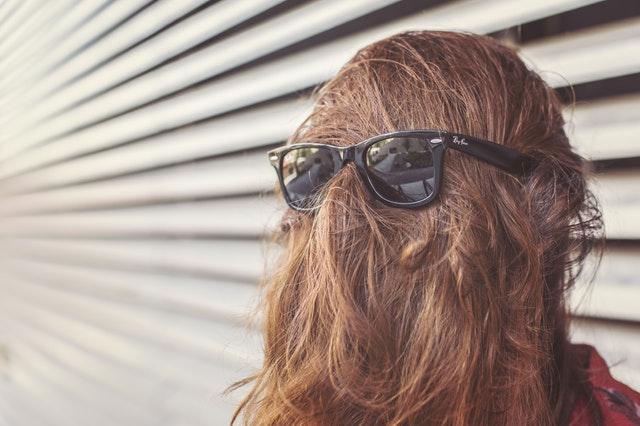 Was tun gegen fettige Kopfhaut?